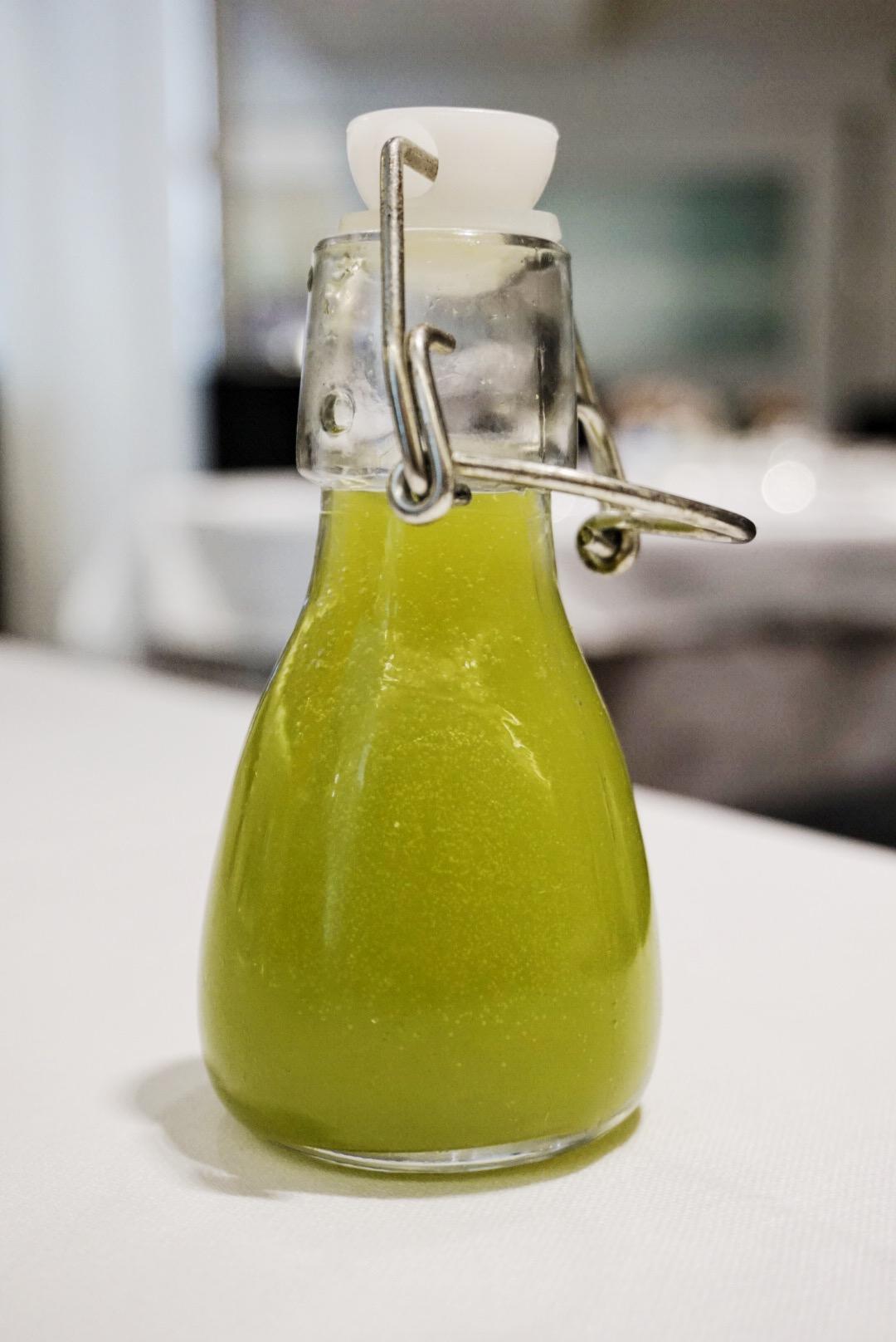 Cold-pressed detox juice, brunch at Les Delicies, Barcelona
