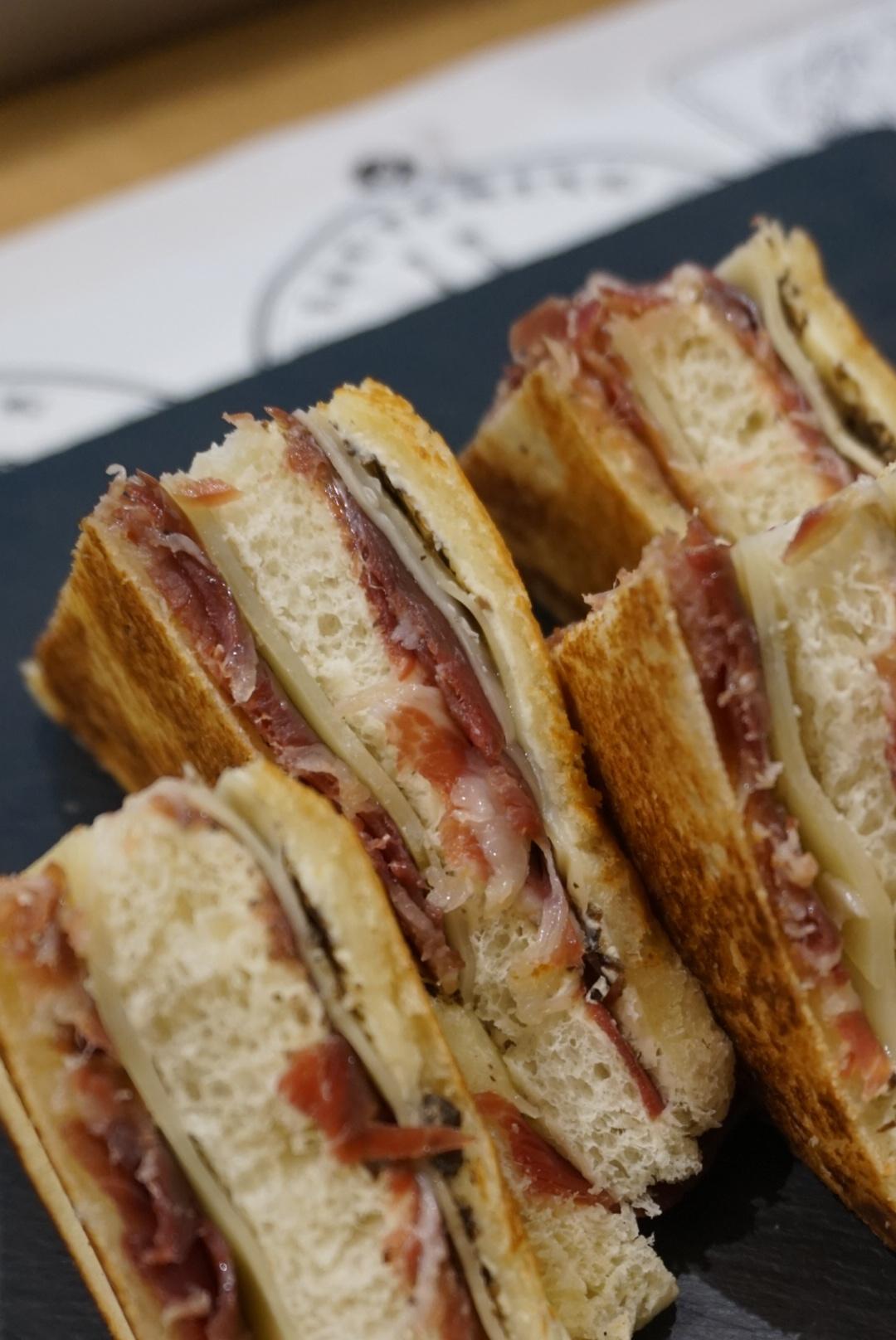 Bikini sandwiches at Beerlinale, Barcelona