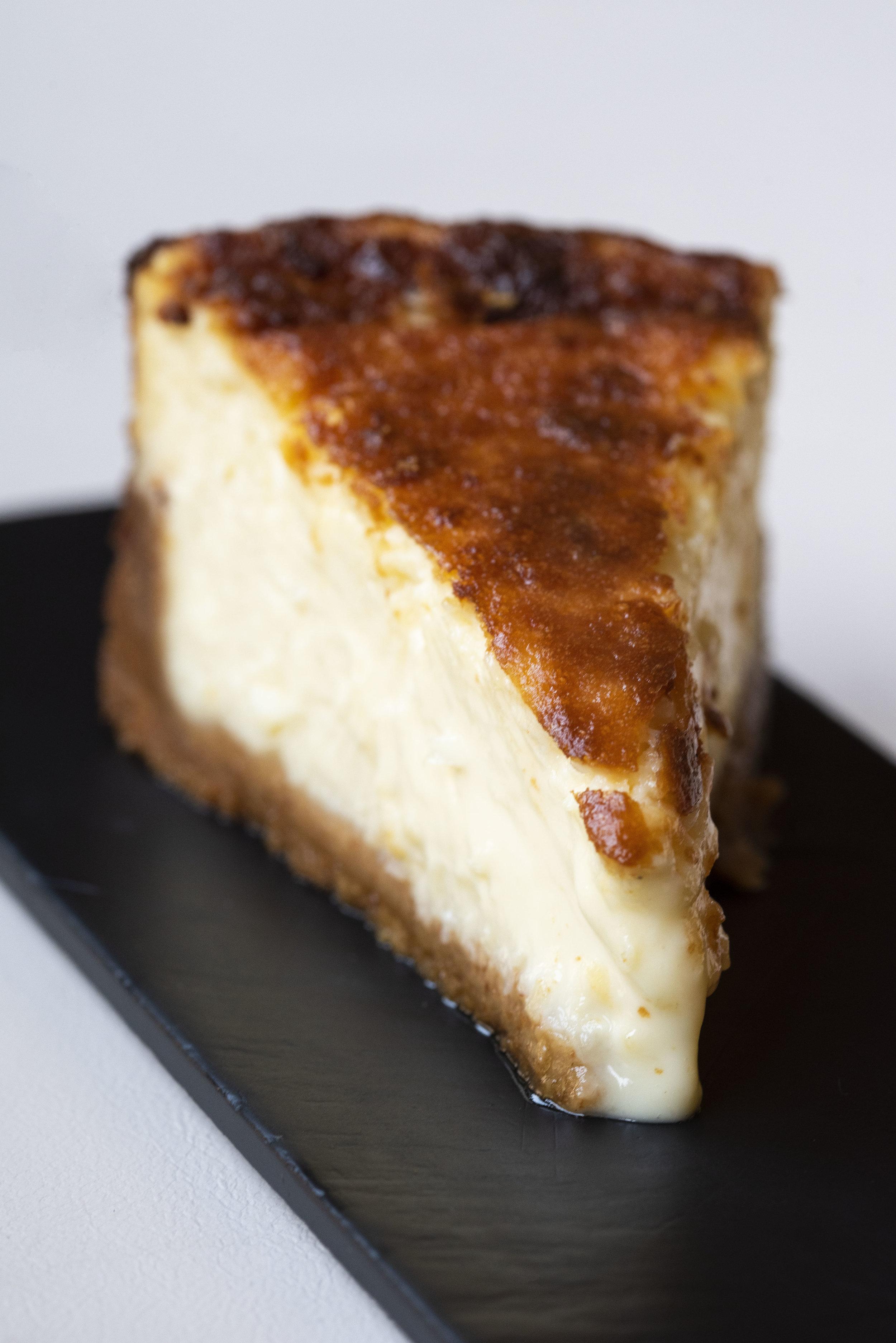 Idiziazábal cheesecake at Calabrasa, Barcelona. Photo © Barcelona Food Experience.