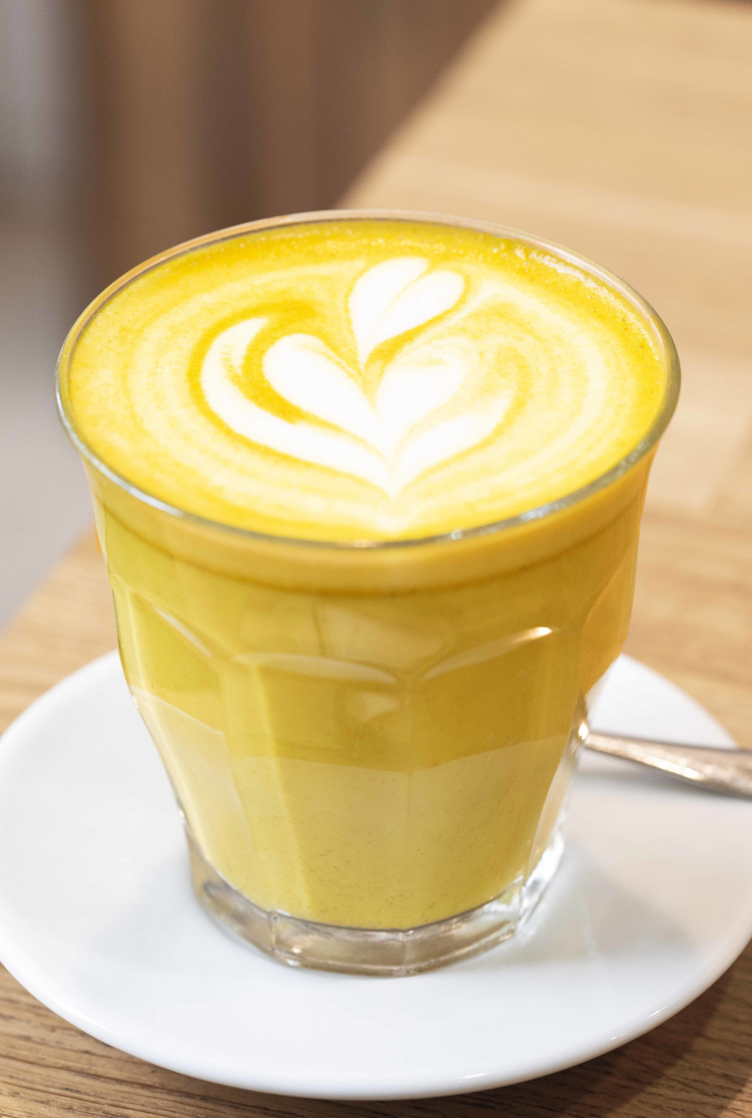 Turmeric Latte at Equilibrium Cafe, Barcelona. Photo © Barcelona Food Experience.