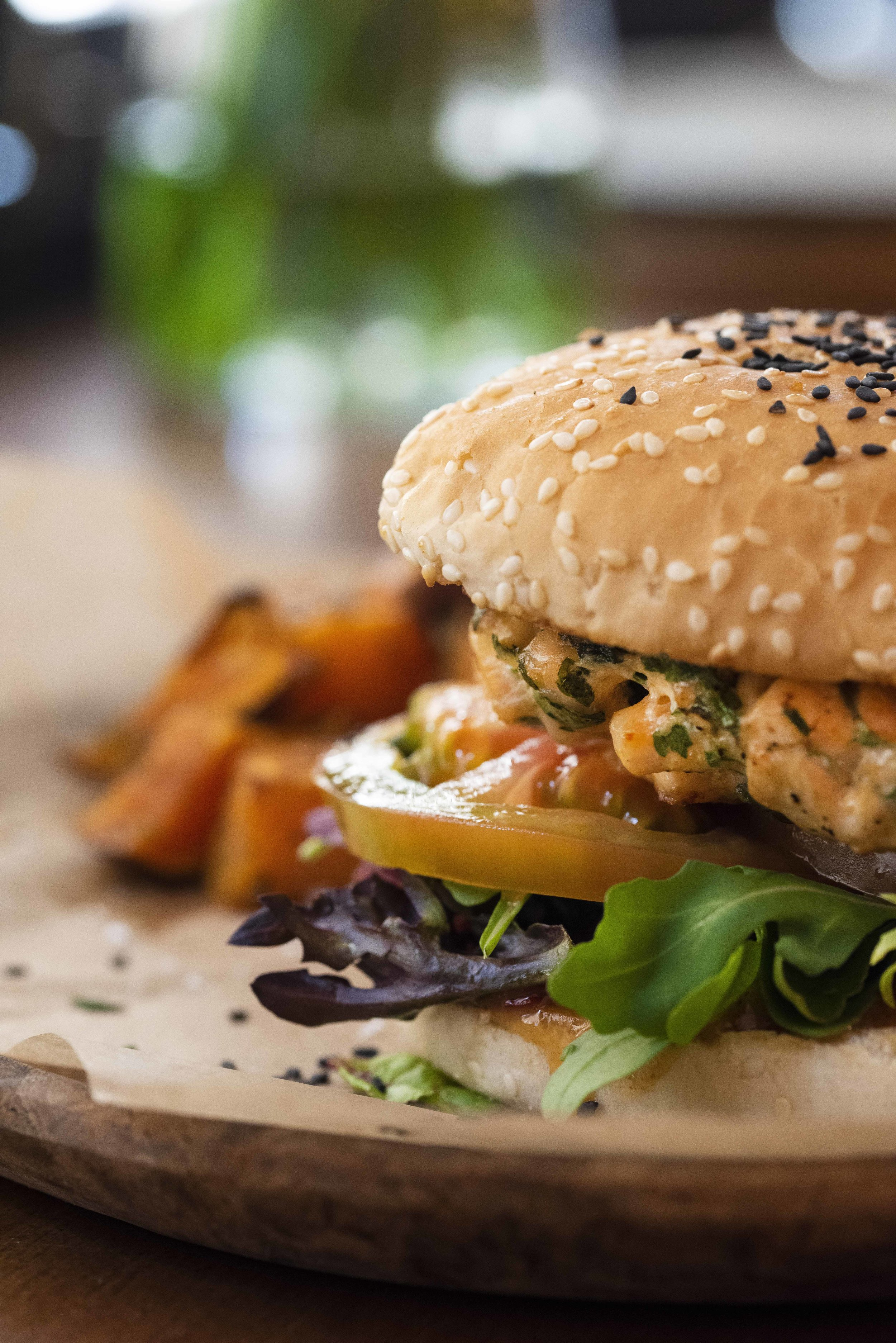 Salmon burger at About.Salmon Restaurant, Barcelona. Photo © Barcelona Food Experience.