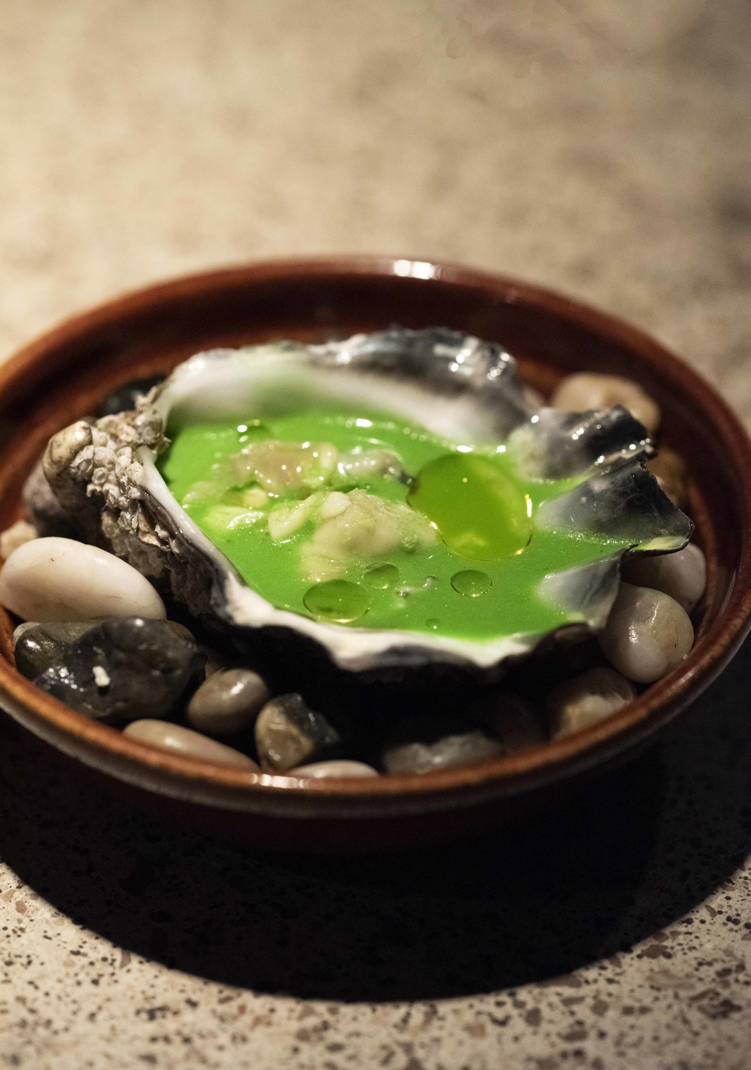 Oysters at Chaka Khan restaurant, Barcelona. Photo © Barcelona Food Experience.