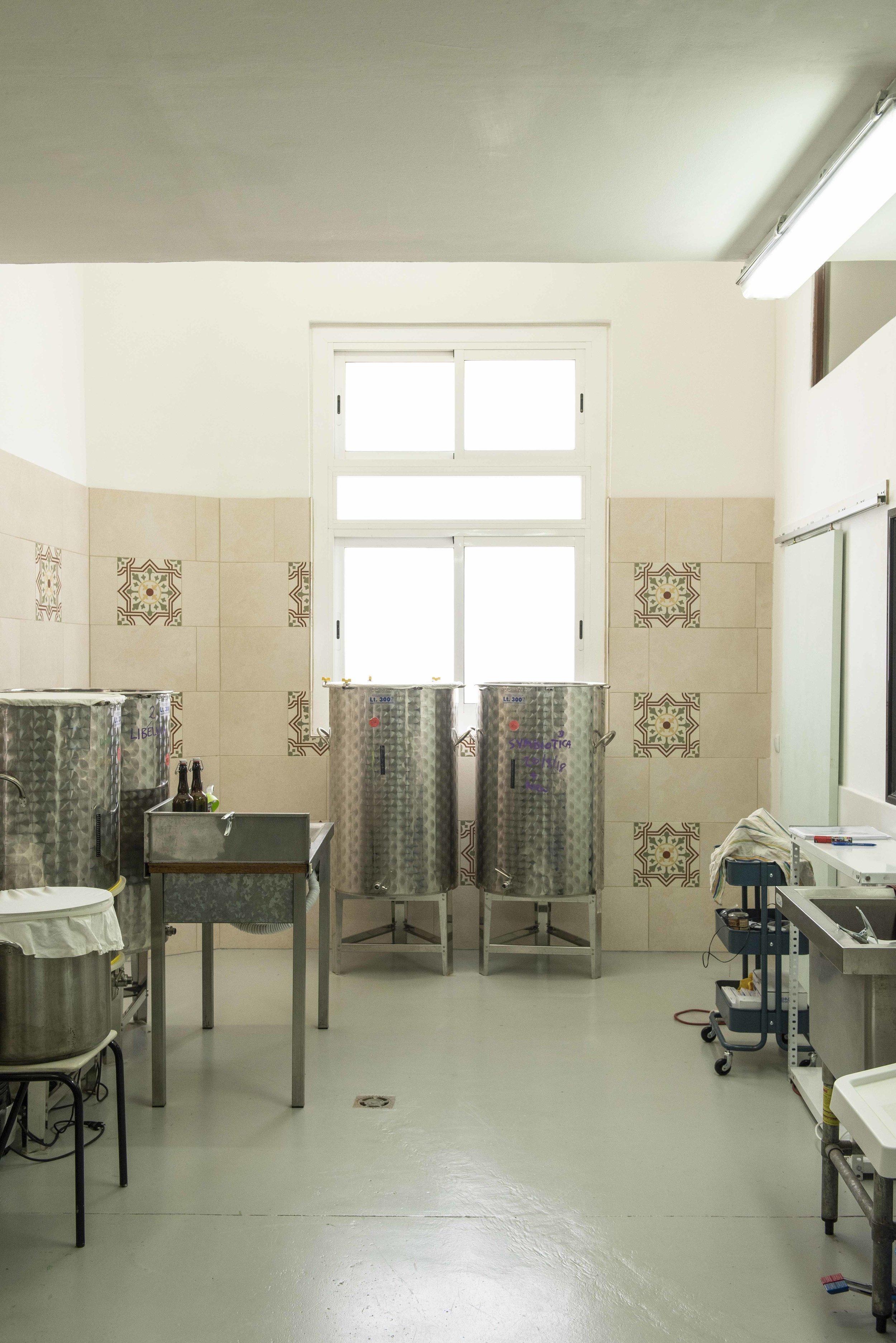 The kombucha lab at Kashaya Kombucha. Photo © Barcelona Food Experience.