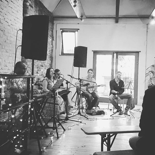 Songwriters in the round! #Repost @clarey1981 ・・・ Another great night at the @londonsongwriters event @wusispace. Always makes me go home and jam on my garage band 🎹🎺🥁 #wusi #wusispace_events #singersongwriter #music #london #lovelondon #livemusic #folkmusic #jazz #acoustic #singer #guitar #music #acousticguitar #gigs #londongigs #folk #violin #soul #newmusic
