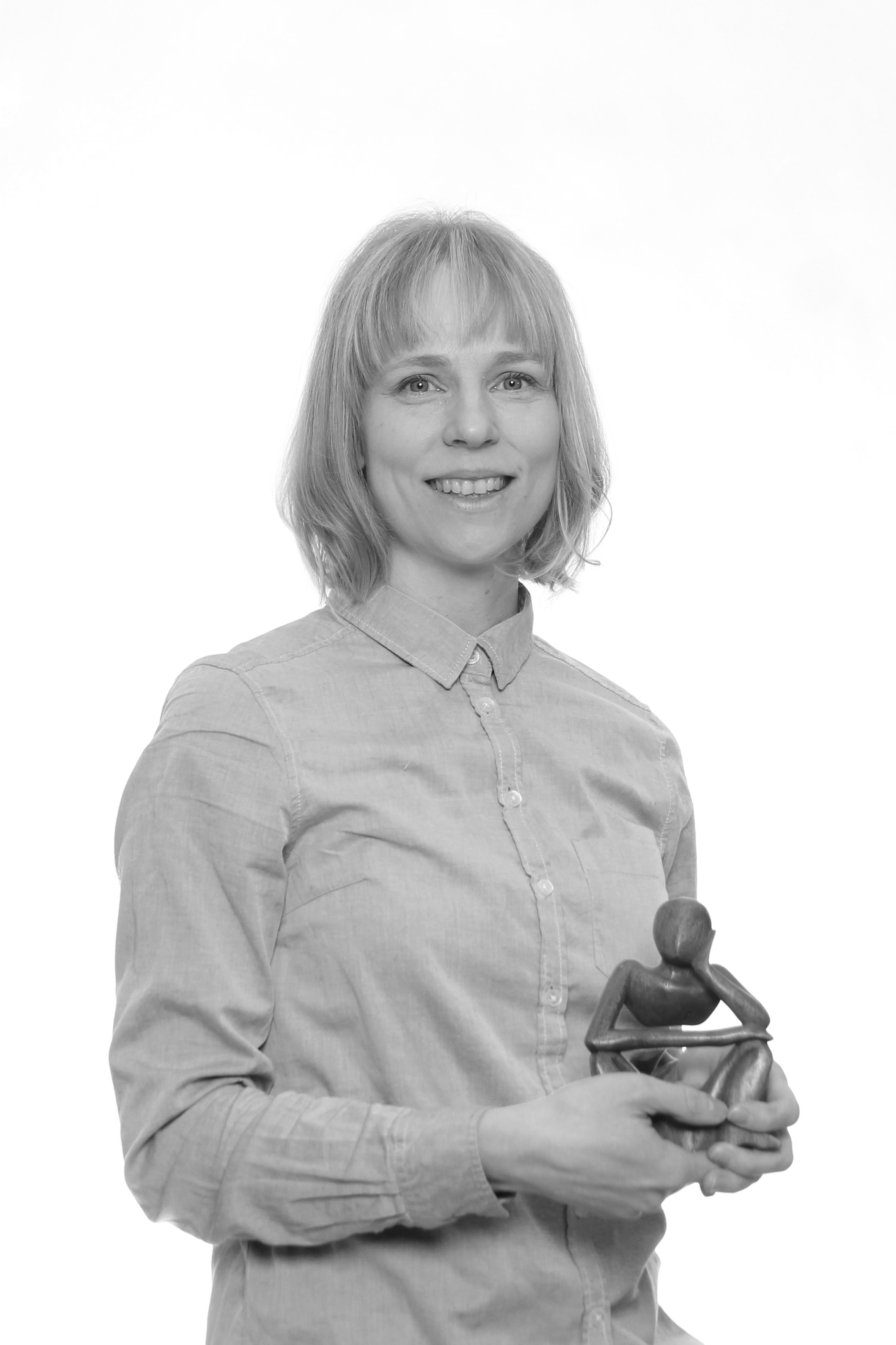 Emma Timonen - Olen kuopiolainen ohjausalan ammattilainen, jolla on kokemusta niin nuorten kuin aikuistenkin ohjauksesta.Ohjauksessa minulle on tärkeää auttaa ihmisiä huomaamaan omia vahvuuksiaan sekä löytämään omaan elämäntilanteeseensa ja tavoitteisiinsa sopivia ratkaisuja.Linkki LinkedIn-profiiliin.