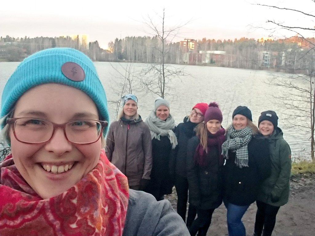 Kuvassa vasemmalta: Sara, Emma, Maija, Maria, Karoliina, Salla ja Noora