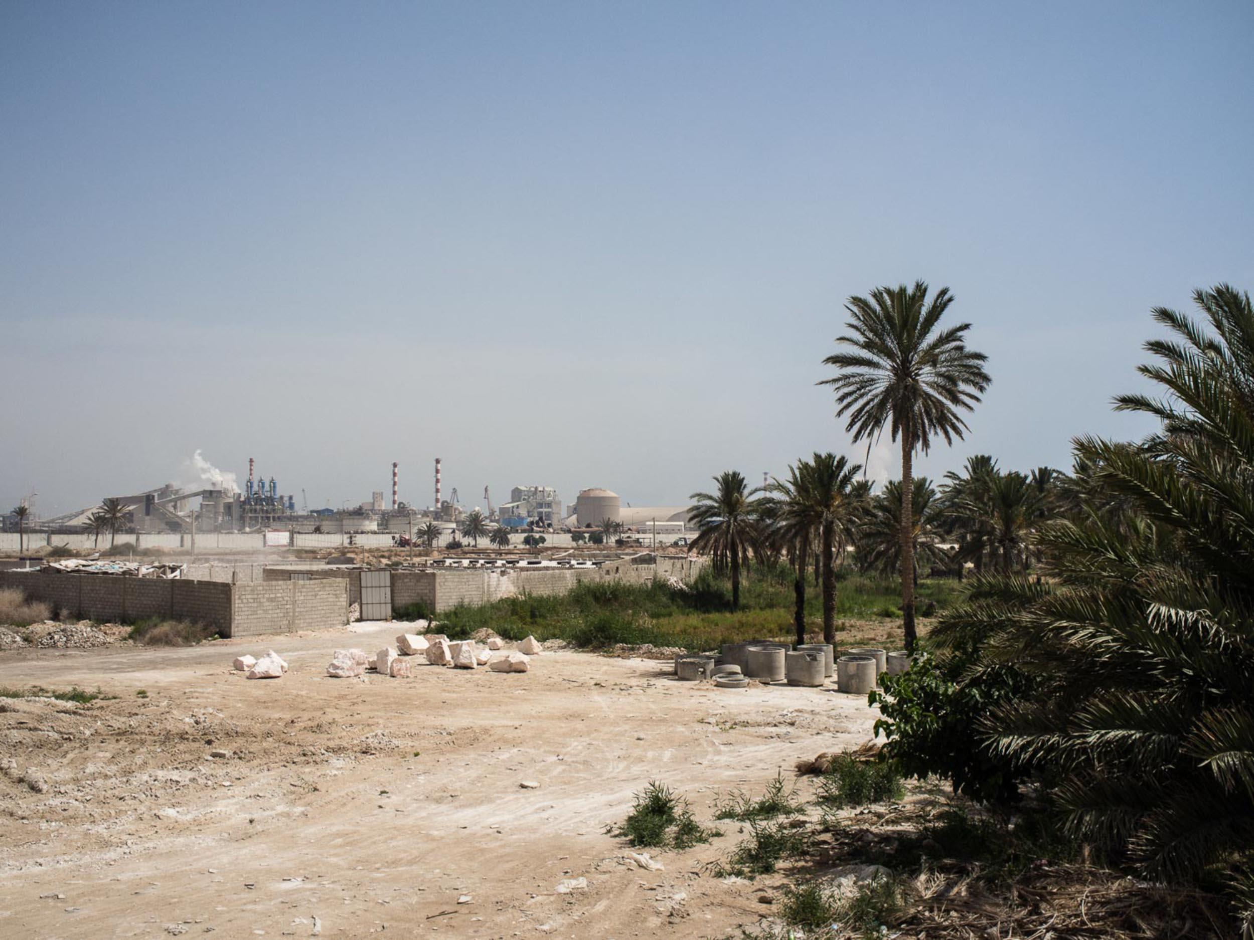 Vue De l'usine du Groupe Chimique Tunisien (GCT) à Gabès. 2016. Société exportatrice à 90%, le groupe est le principal moteur économique de la région et emploi plus de 3000 personnes sur le site.