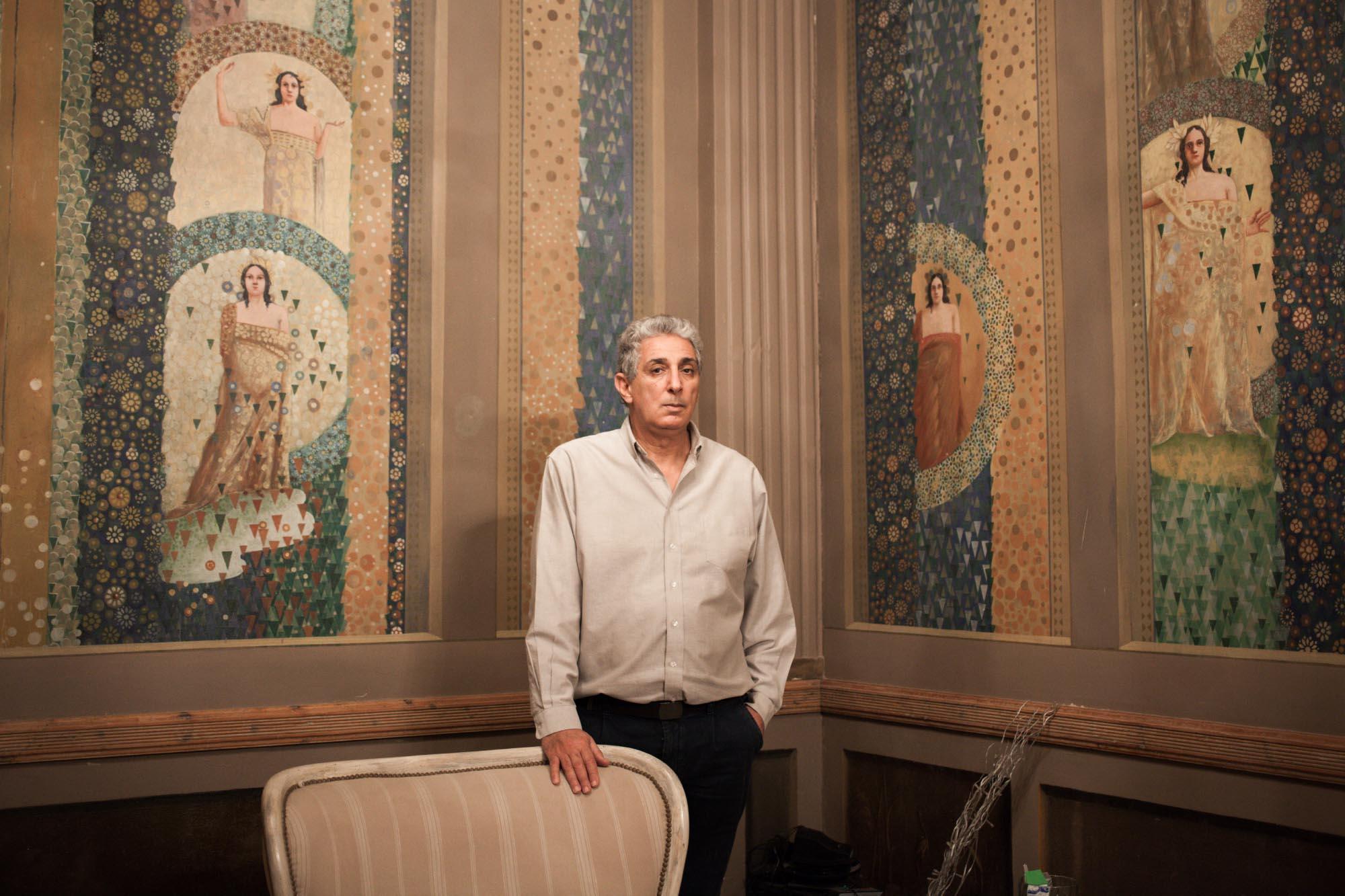 Lotfi Hajji. Propriétaire de la Librairie Mille Feuilles à la Marsa - Tunisie.