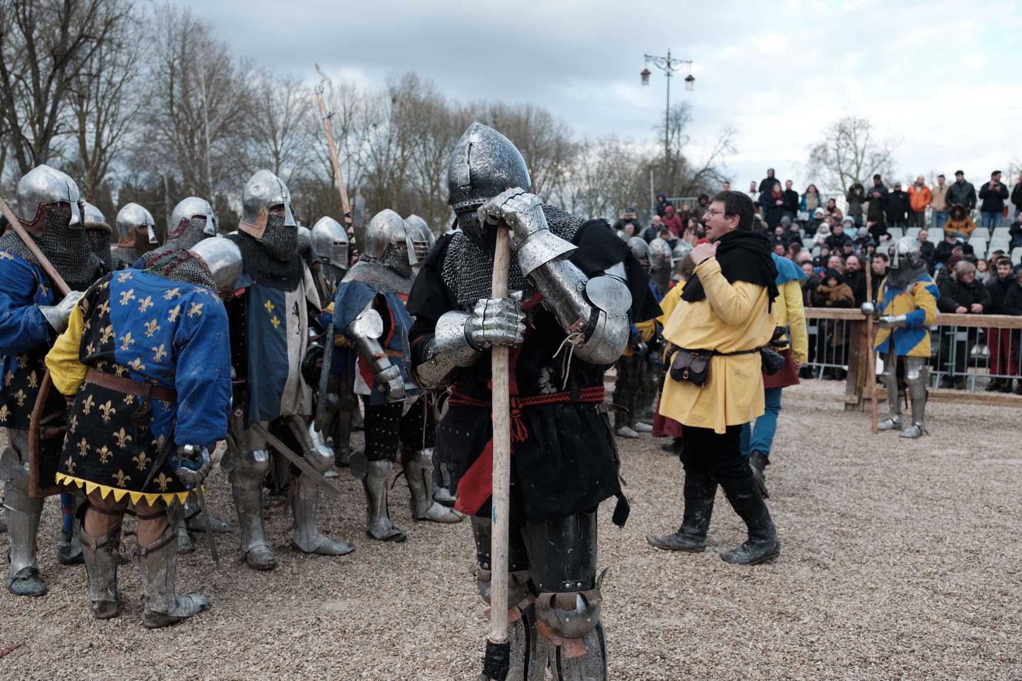 Un combattant de l'équipe de Exactor mortis pendant un combat de 30 contre 30. Les équipes forment des coalitions pour pouvoir atteindre ce nombre de combattants lors d'un tournois.