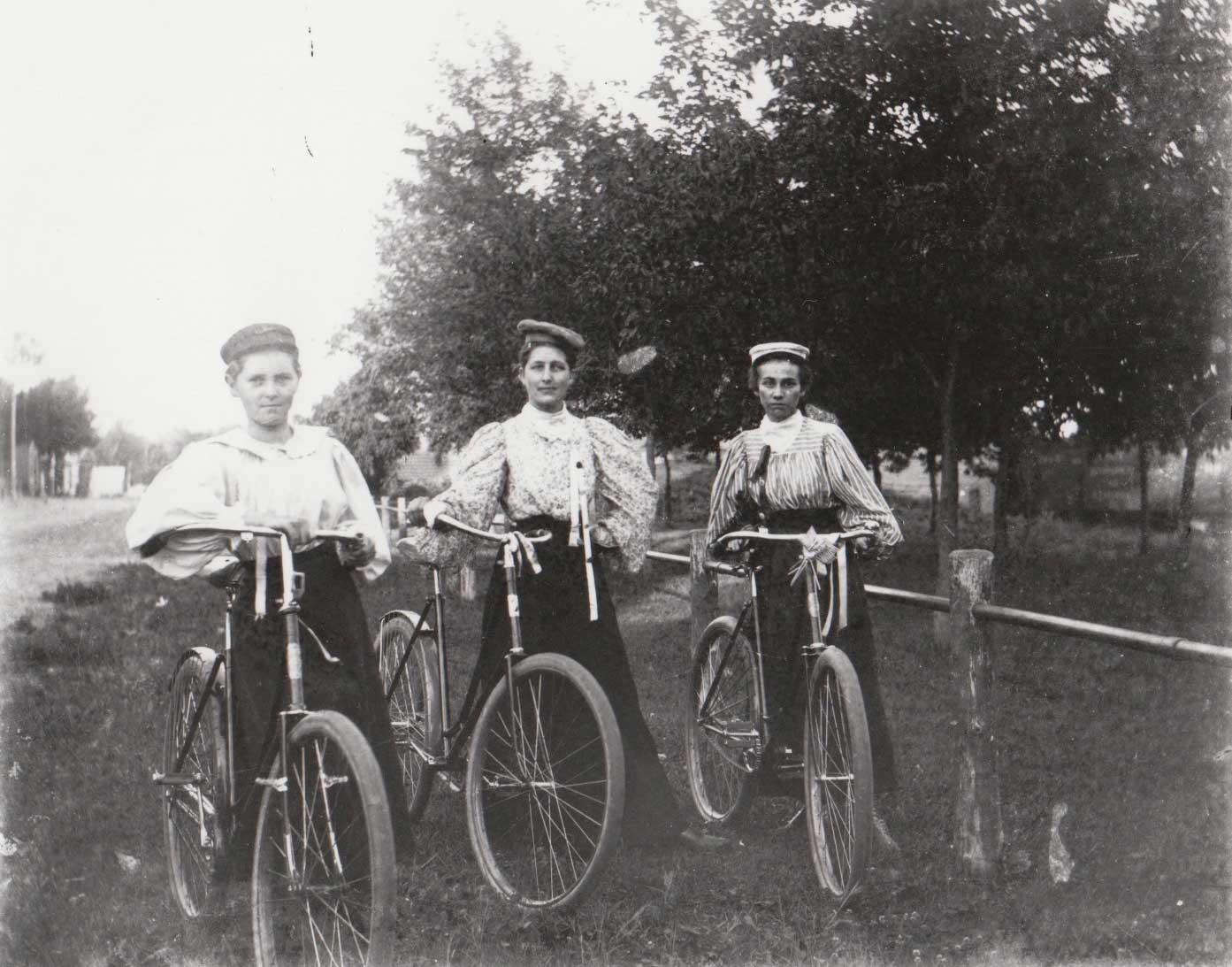 1. Women bicyclists