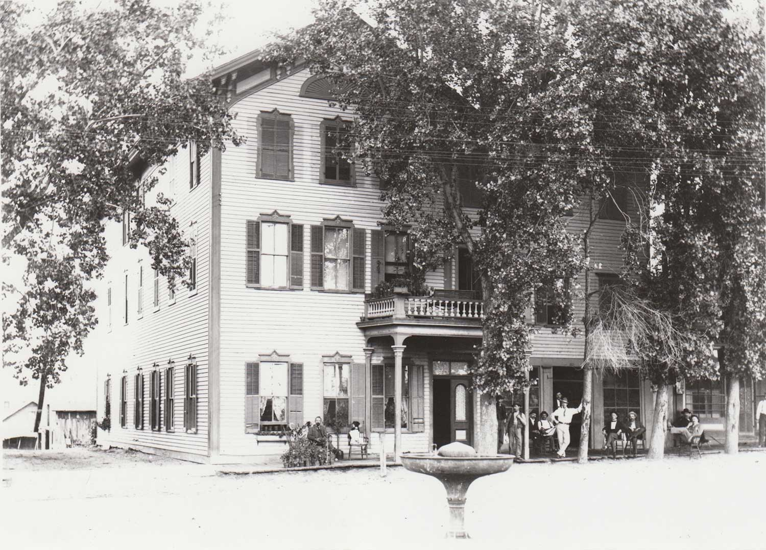 1. Great Northern Hotel