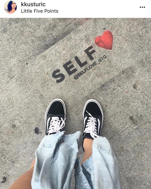 📸: @kkusturic Self❤️® is the best love!✨ . . #selfloveisthebestlove  #streetphotography  #lifeisbeautiful  #love  #midtown  #atlanta  #loveyourself  #lifestyle #selflove #lifestyleblogger  #selflove❤️ #self❤️ #streetart