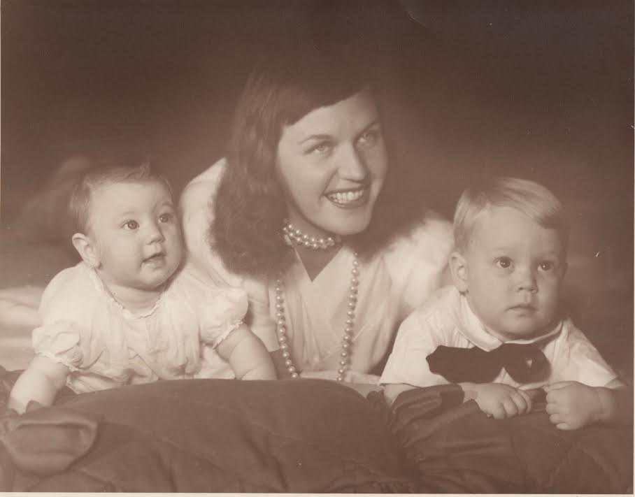 Luise King with baby Liza Rey and brother Rob.jpg