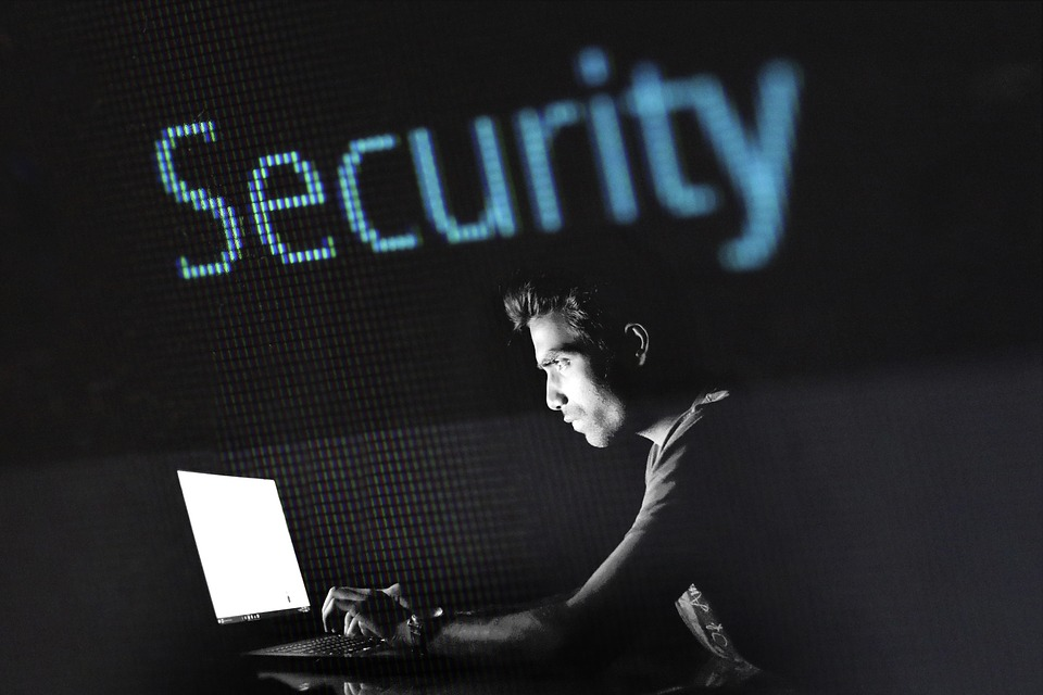 hacking-2964100_960_720.jpg