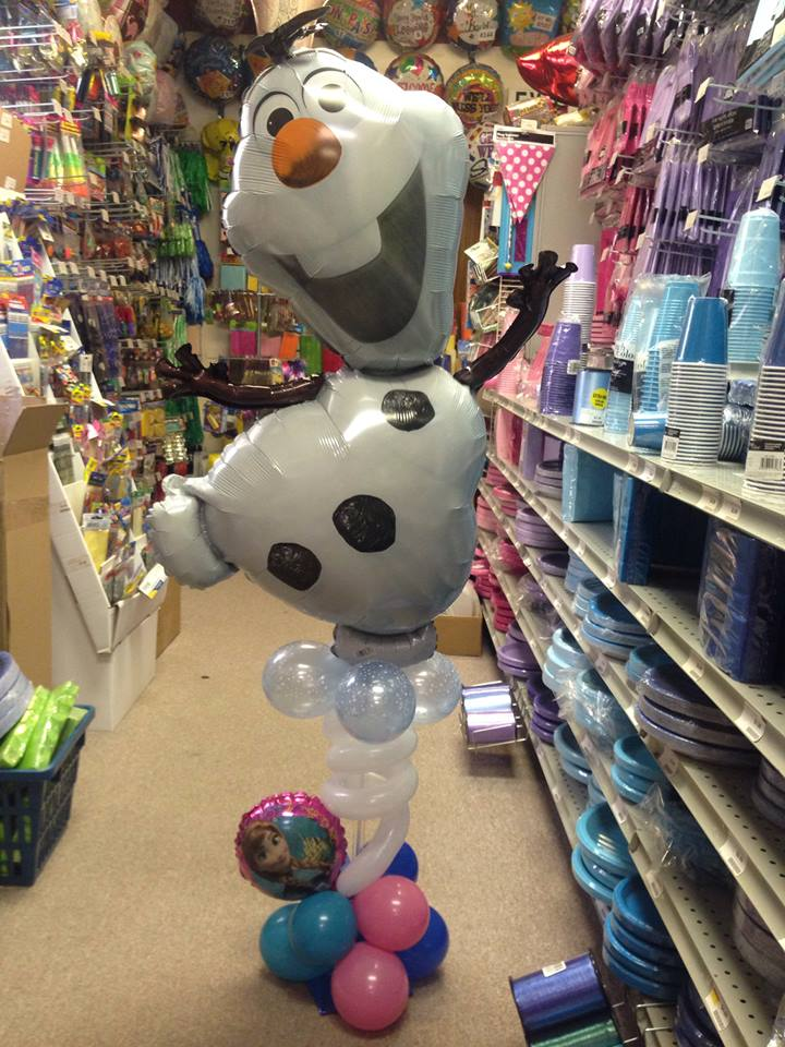 Olaf Squiggle Tower with Anna/Elsa balloon base