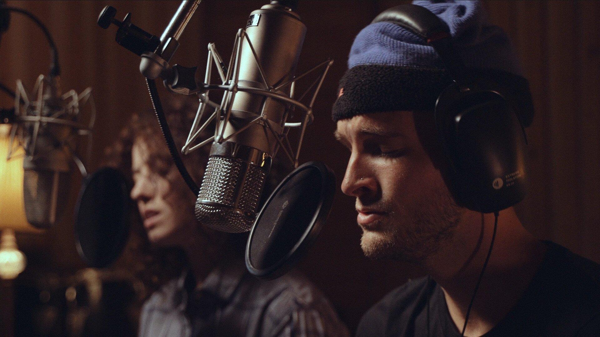 Gavin Haley feat. Sara Diamond - Show Me