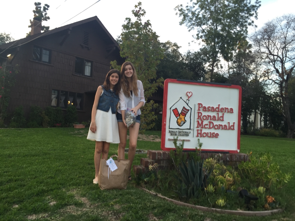 Grace and older sister Lauren at the Ronald McDonald House