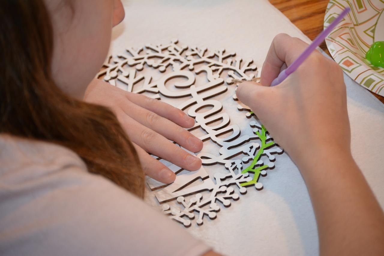 crafting-1081222_1280.jpg
