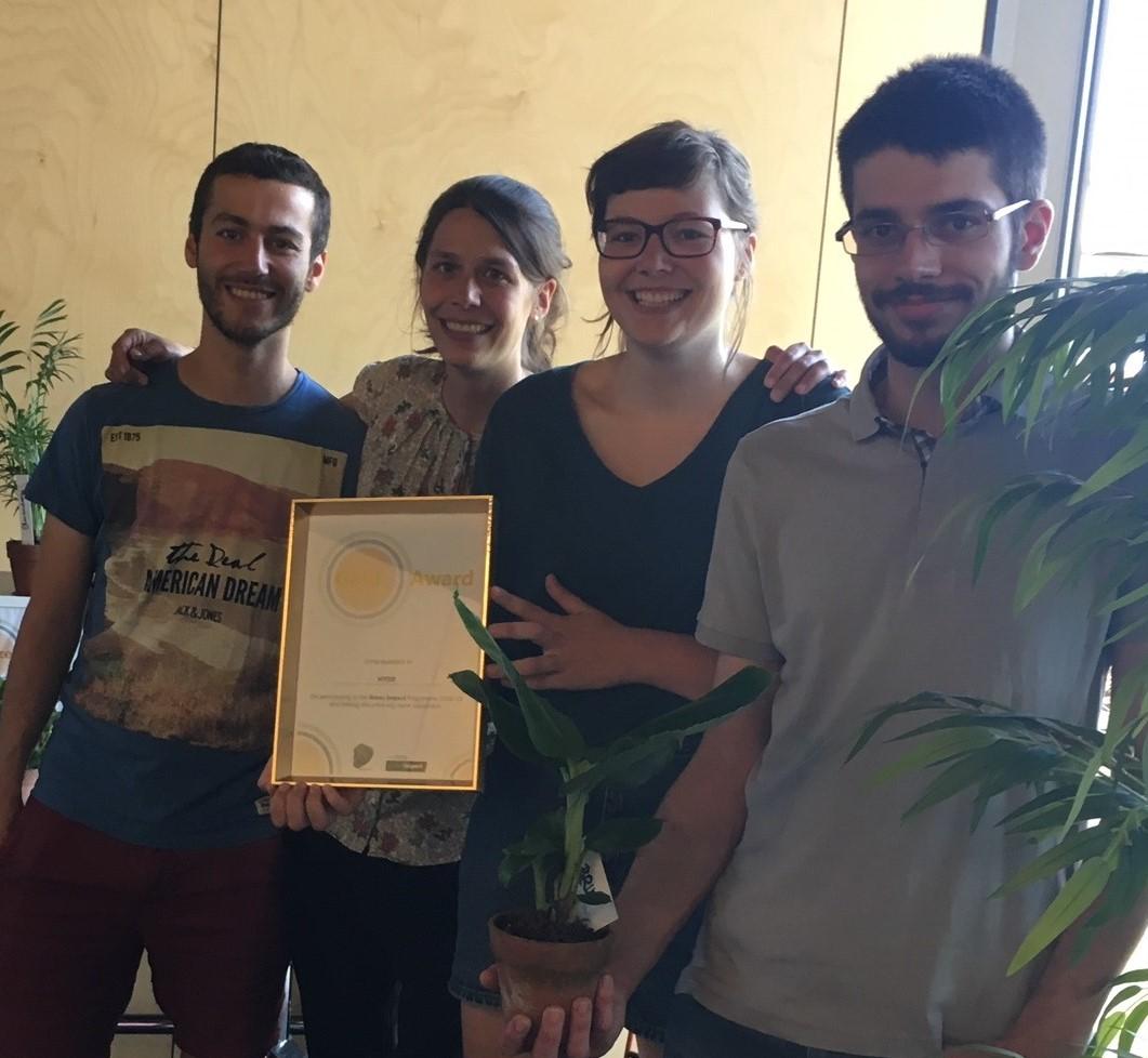 Golden_Award.JPG