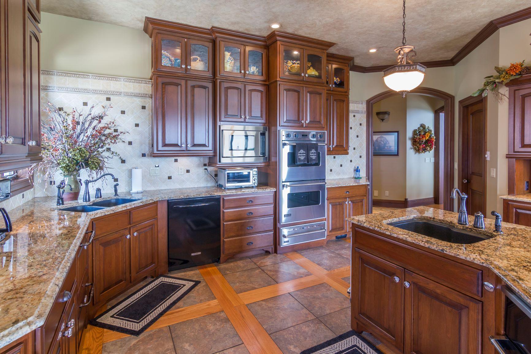 Southwoods kitchen1.jpg