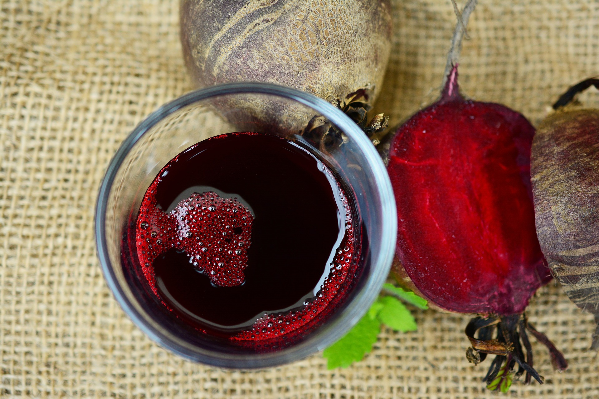 beetroot-juice-2512474_1920.jpg