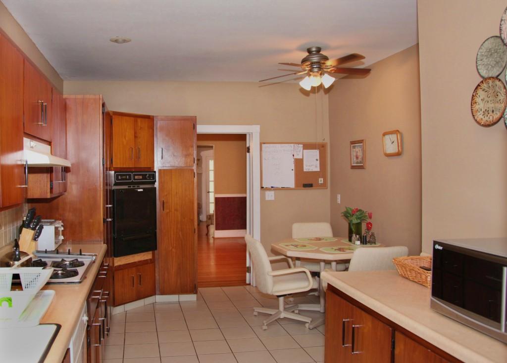 ValHouse-kitchen.jpg