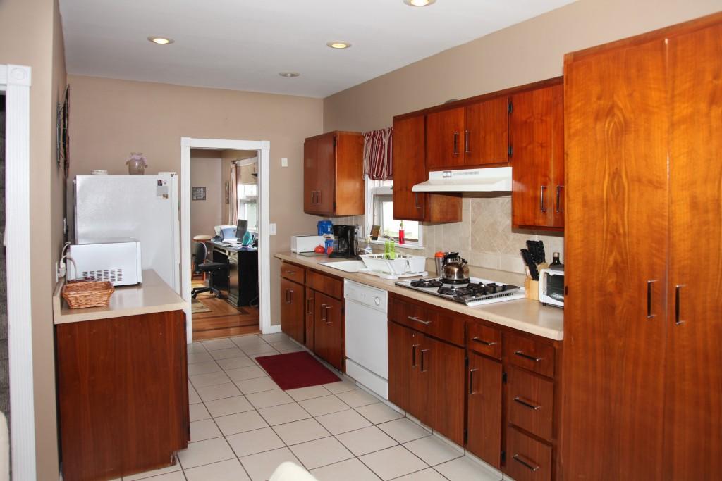 ValHouse-kitchen2.jpg