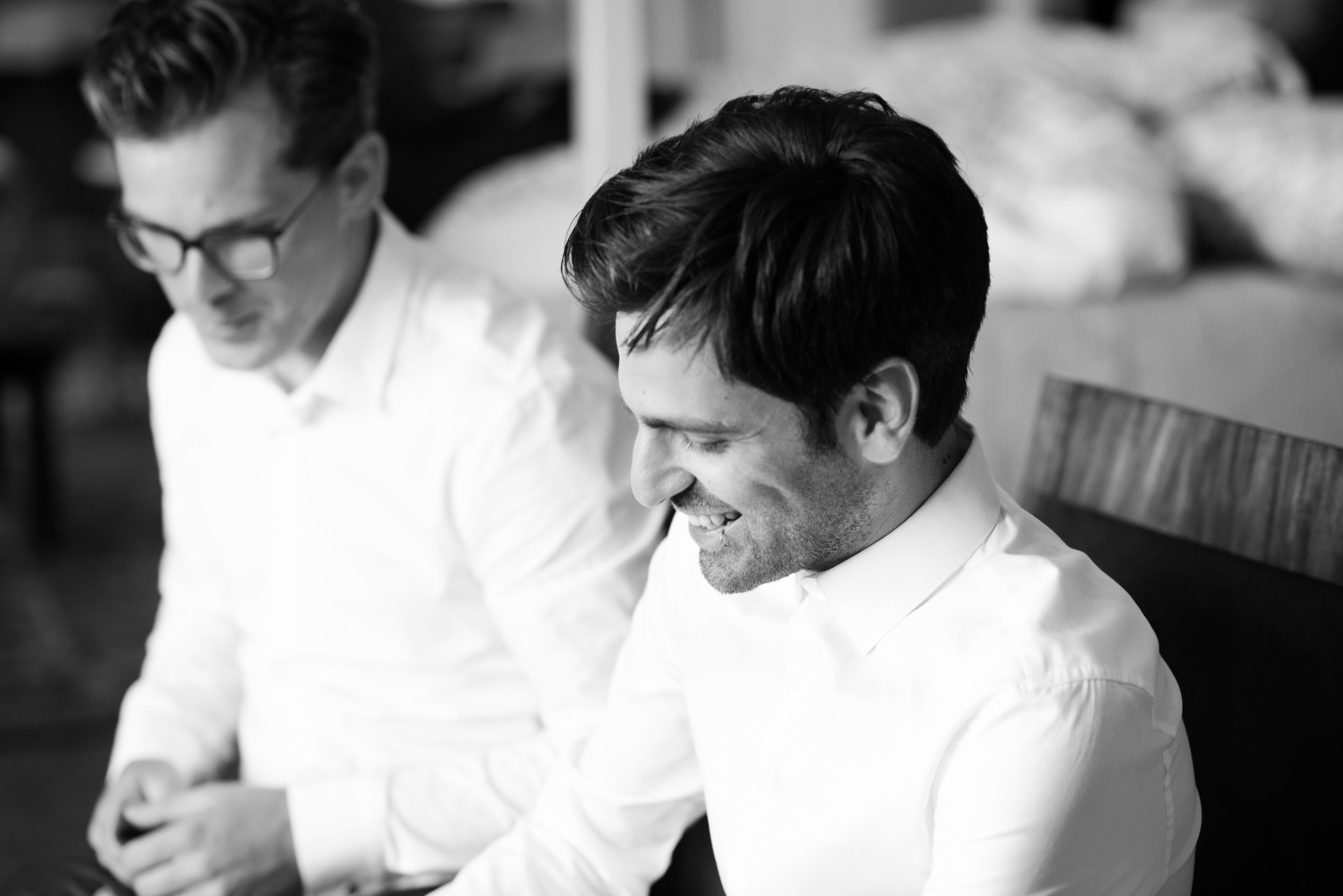 The groom and best man get ready // Wedding photos by Karmel Kreative // Plant Based Bride