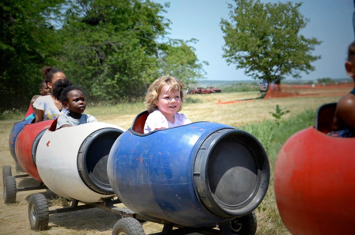 Kids trolley blue bucket