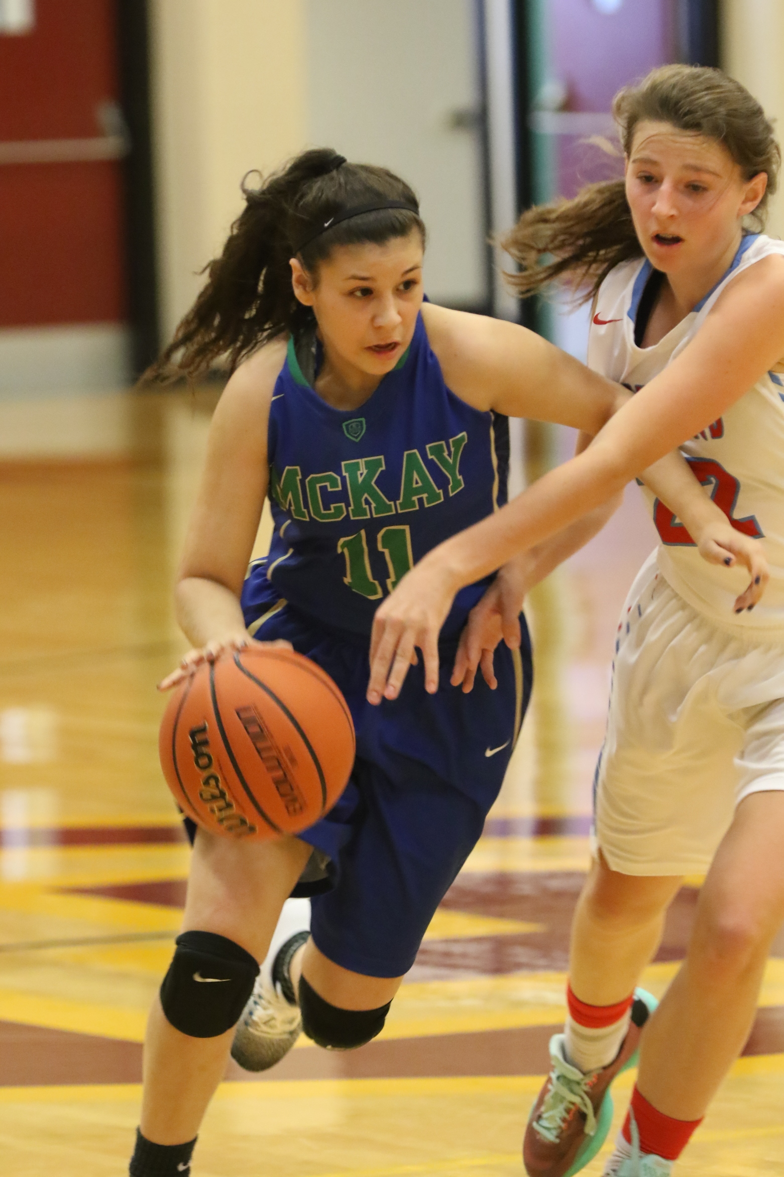 2016 - Leva drives to the hoop verses South Salem. Photo by Kent Brewer