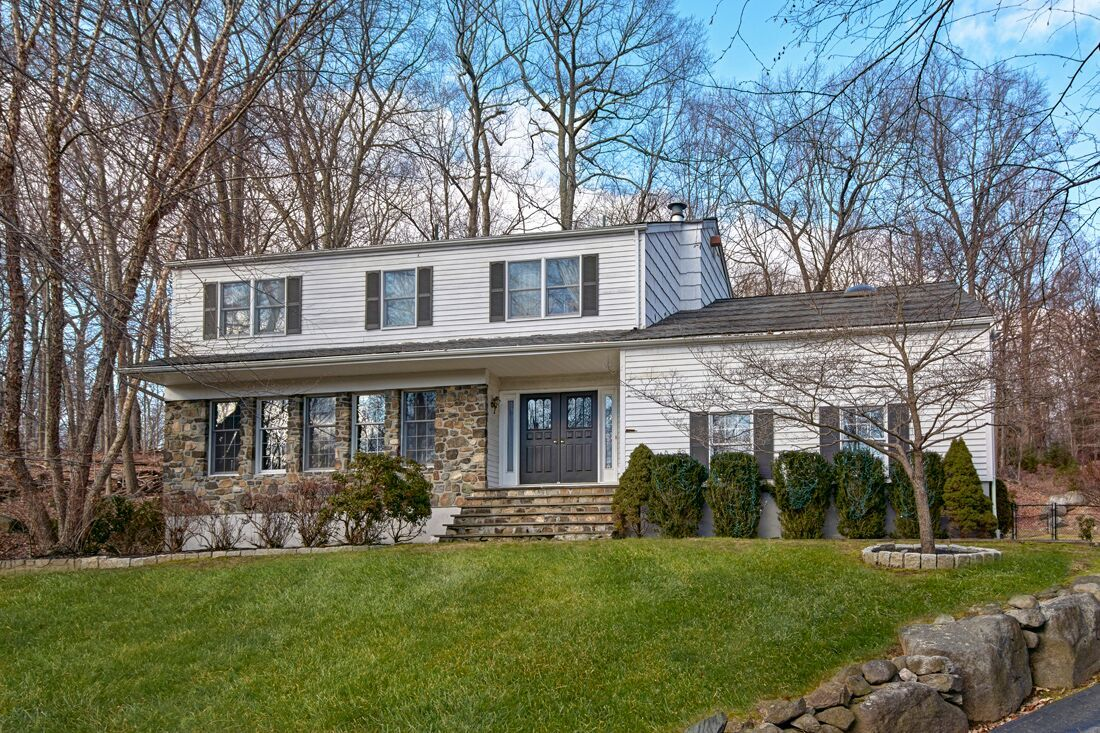 21 CHESTER CT  CORTLANDT MANOR  LIST PRICE $580,000  SOLD PRICE $580,000  SOLD ON 04/03/19