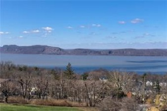 74 HUDSON WATCH DR  OSSINING  LIST PRICE $599,000  SOLD PRICE $580,000  CLOSE DATE 07/03/19