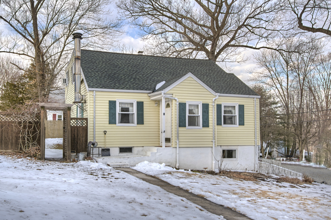 1 LINCOLN PL  CORTLANDT MANOR  LIST PRICE $342,500  SOLD PRICE $350,000  SOLD ON 04/11/19
