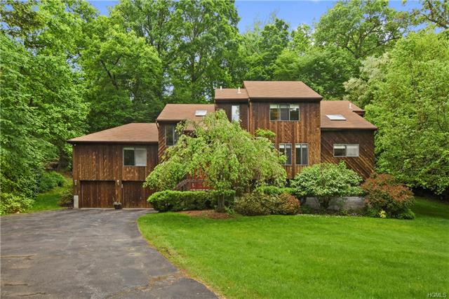 5 AMALFI DR  CORTLANDT MANOR  LIST PRICE $725,000  SOLD PRICE $700,000  CLOSE DATE 08/05/19