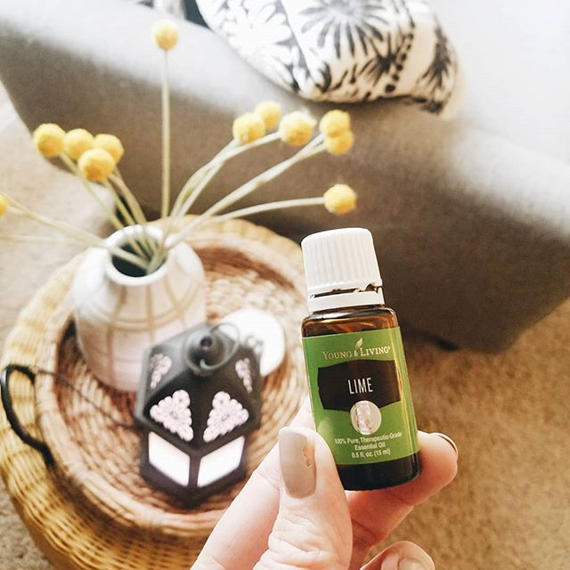 I never thought lime would be an oil I would reach for...until I tried it in a few diffuser blends. It's amazing and one I include often these days. And it's pretty darn affordable so that's a big win. What's your favorite way to use lime? . #tjeoilylife #thejonesessentials #nontoxicliving #youngliving #younglivingeo #yleo #essentialoils #healthyfamily  #healthyliving #journeytowellness #naturalwellness #myoilylife #selfcare #healthyhome #aromatherapy #emotionalsupport #oilylife #sleepsupport  #chemicalfreehome #essentialoilsforthewin #oilymama #crunchymama #plantbased #essentialoillove #journeytowellness #oilyobsessed #oilykids #oilyjourney #ningxia