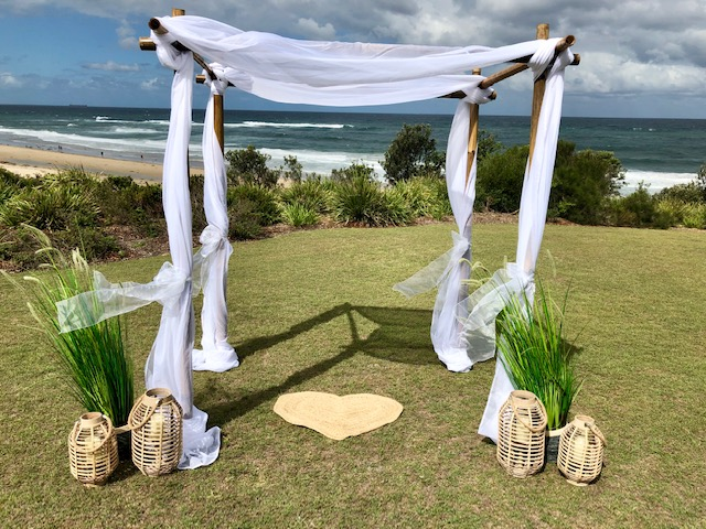 4 post bamboo arbour (thick bamboo)