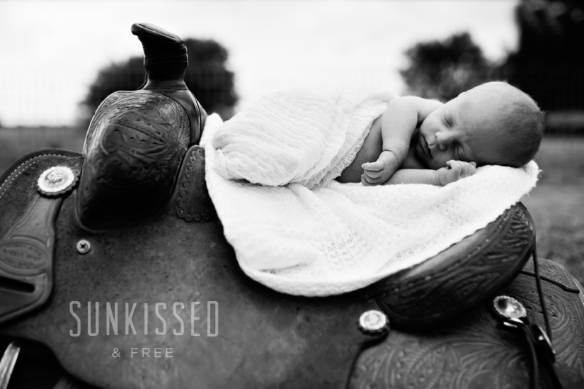 SUNKISSED & FREE PHOTOGRAPHY NEWBORN