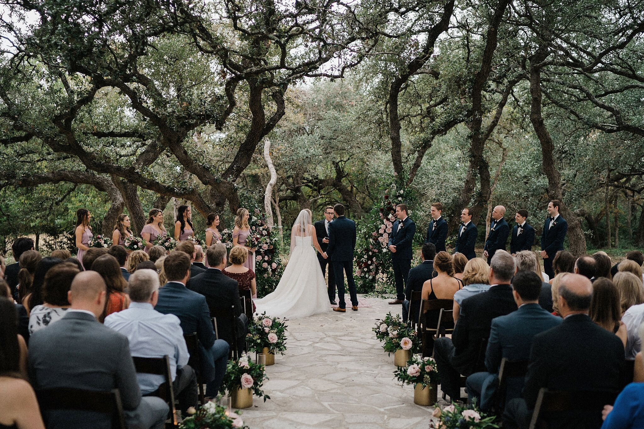 Photography: grant daniels photography | Planner: heavenly day events | Florist: sweet water stems