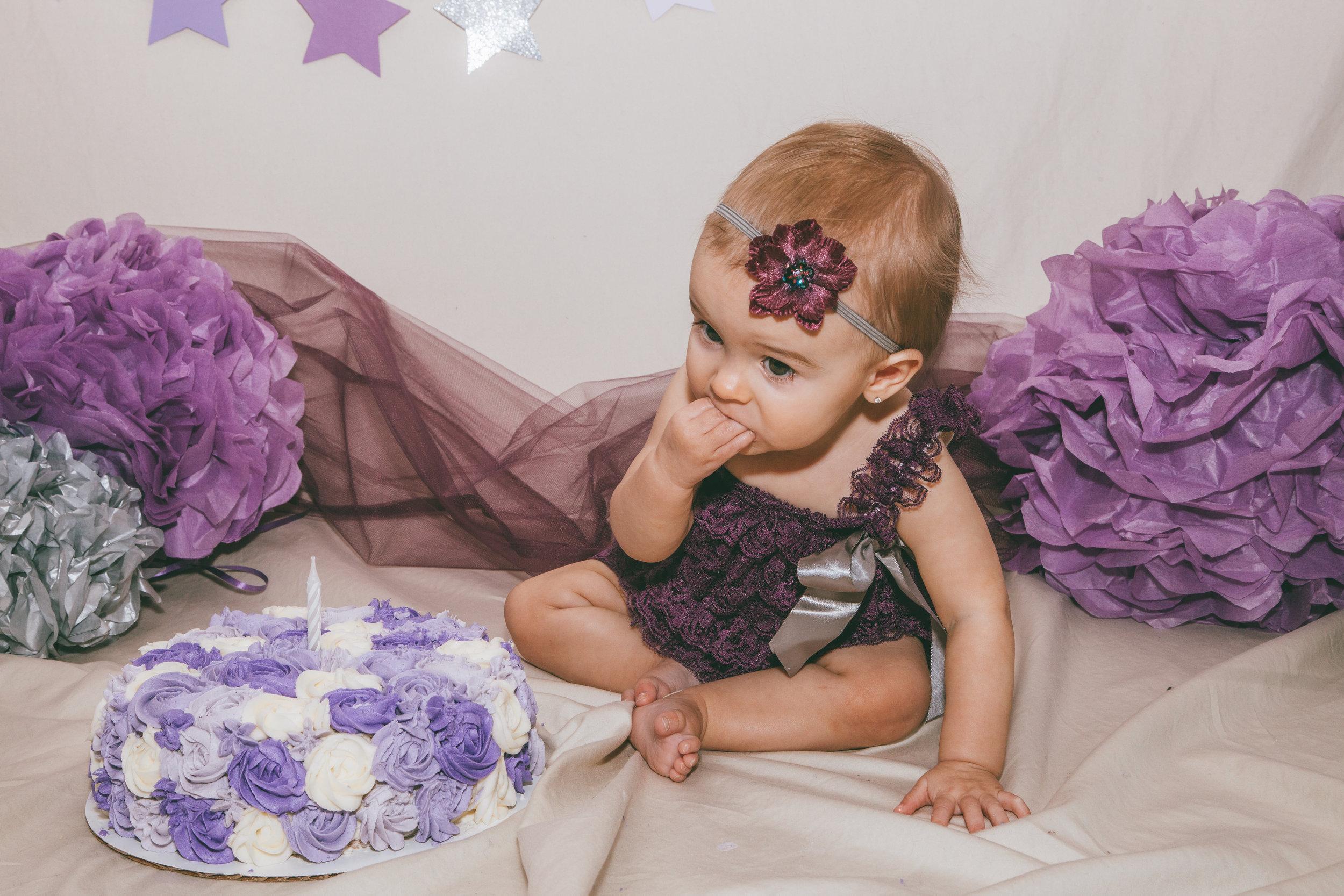 Addie cake smash-8.jpg