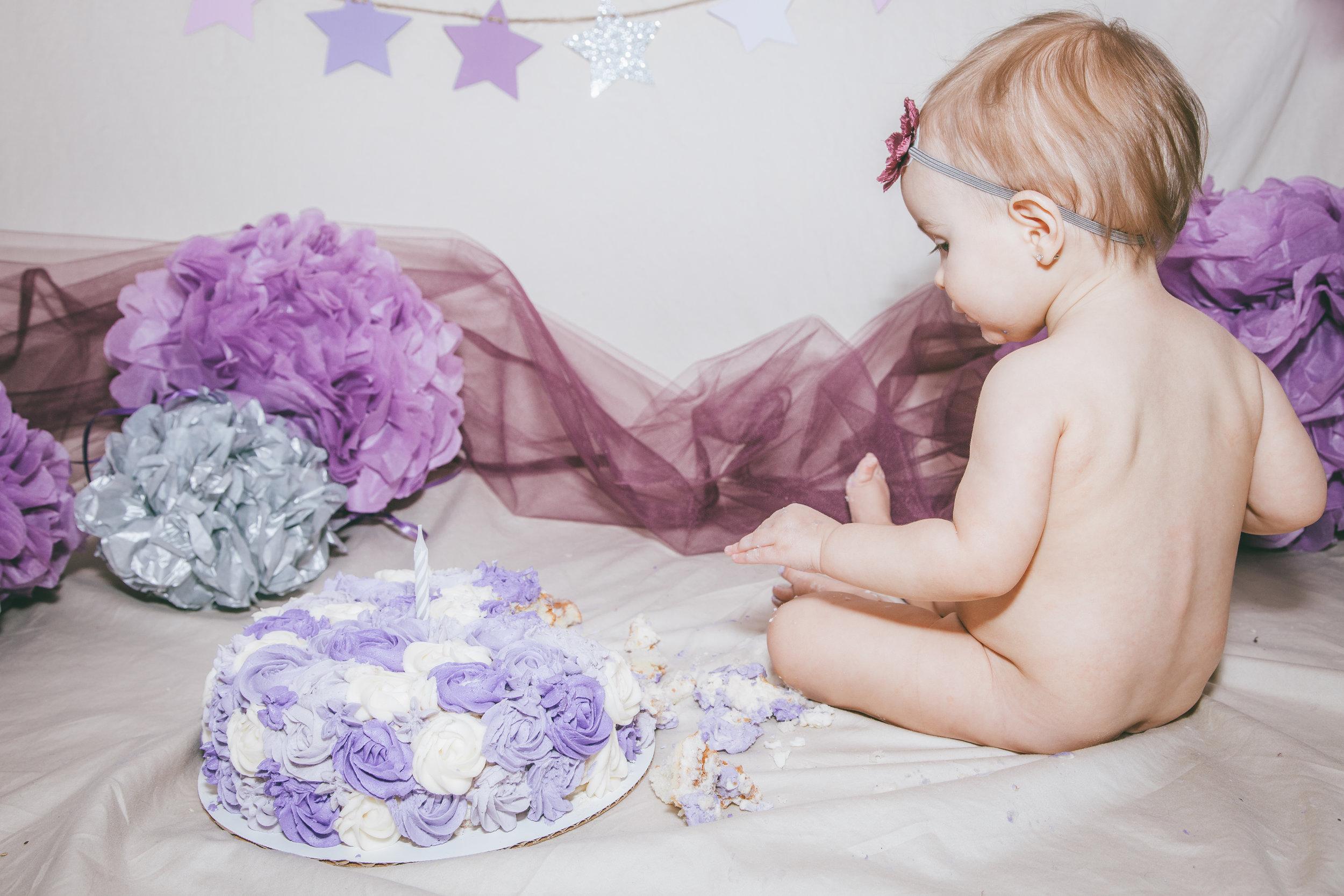 Addie cake smash-20.jpg