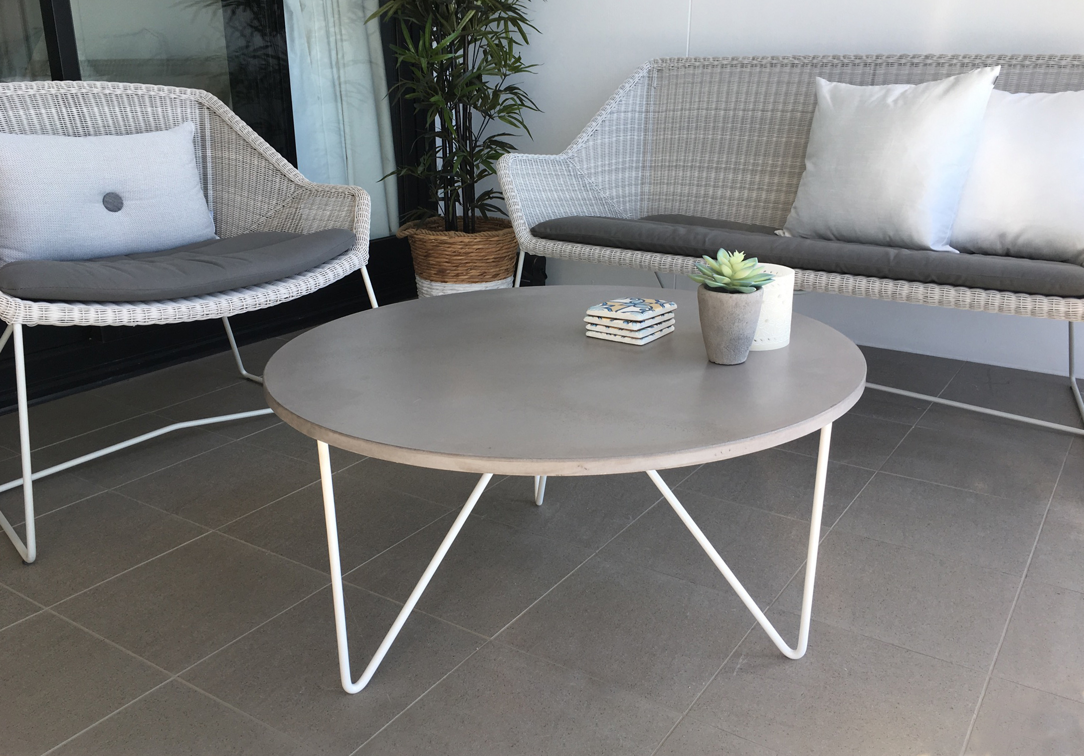 Pi Concrete Coffee Table (800 Diameter)