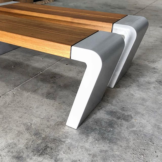European Oak / Concrete ISTU bench seats. #concrete #furniture #architecture #interiordesign #landscapearchitecture #benchseat #madeinaustralia