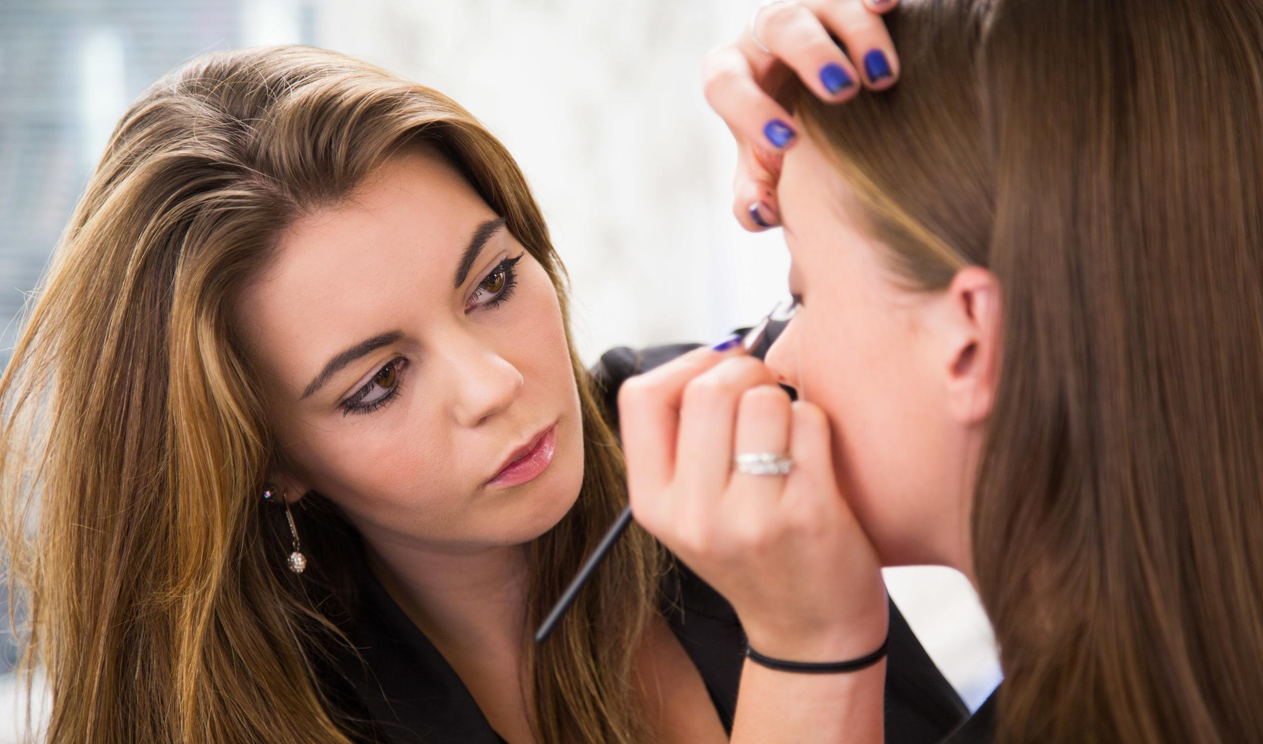 Kristen Stewart School Of Make Up