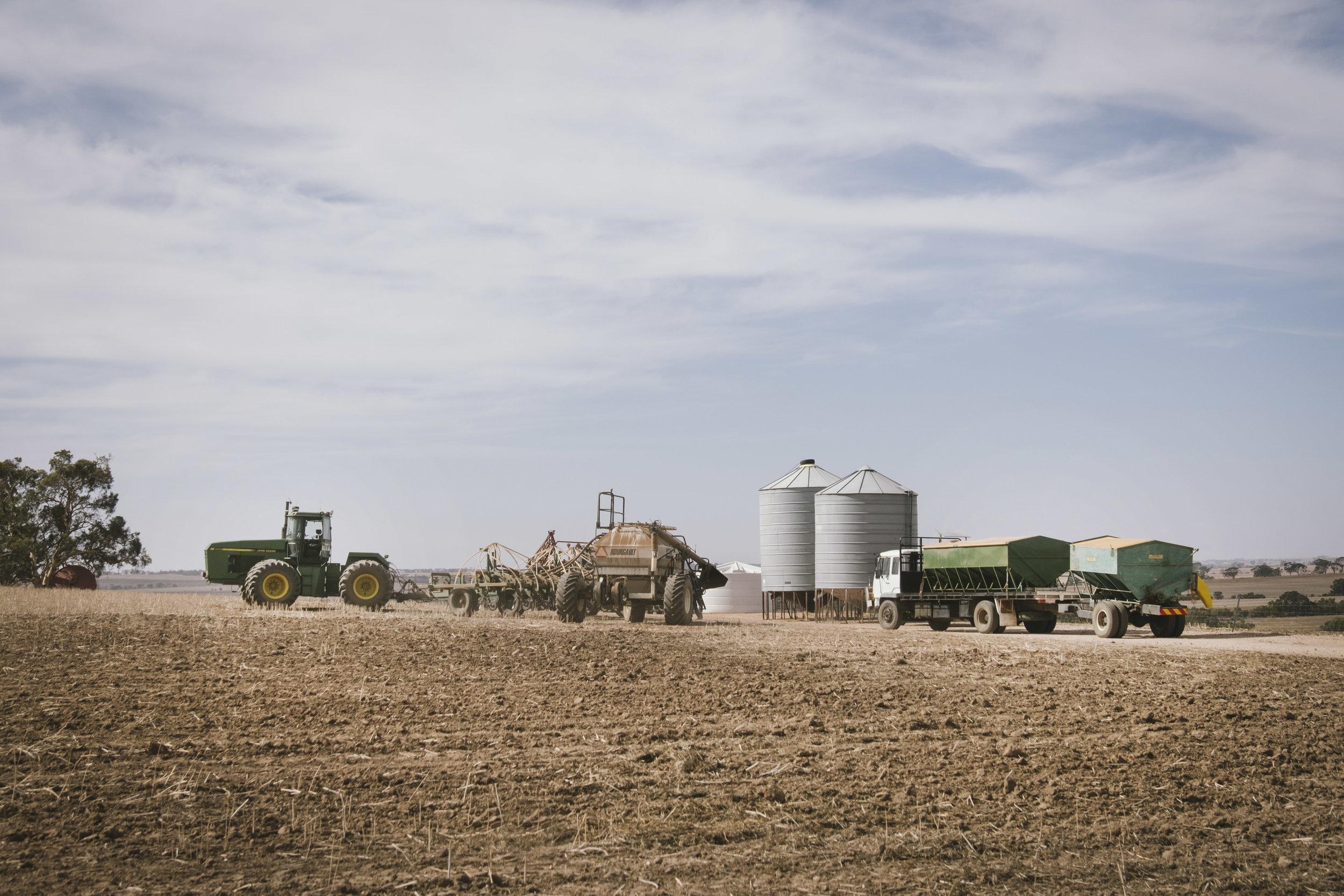 Angie Roe Photography Wheatbelt Rural Farm Landscape Seeding (3).jpg