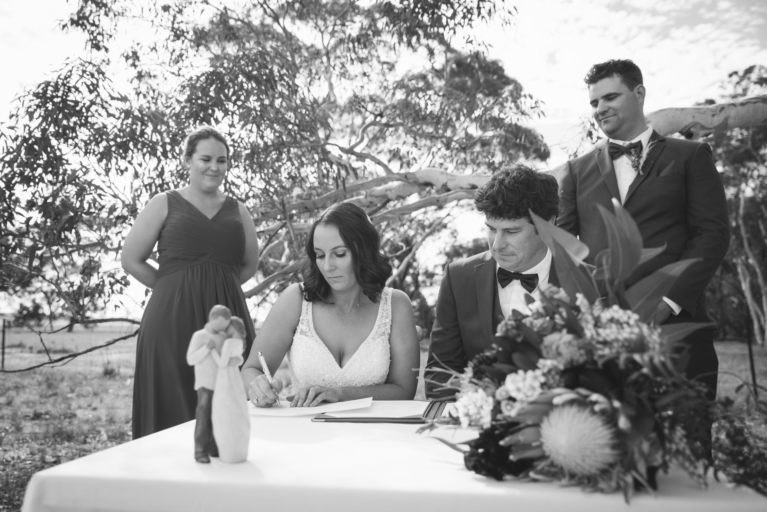 Angie Roe Photography Wheatbelt Avon Valley Farm Wedding (25).jpg