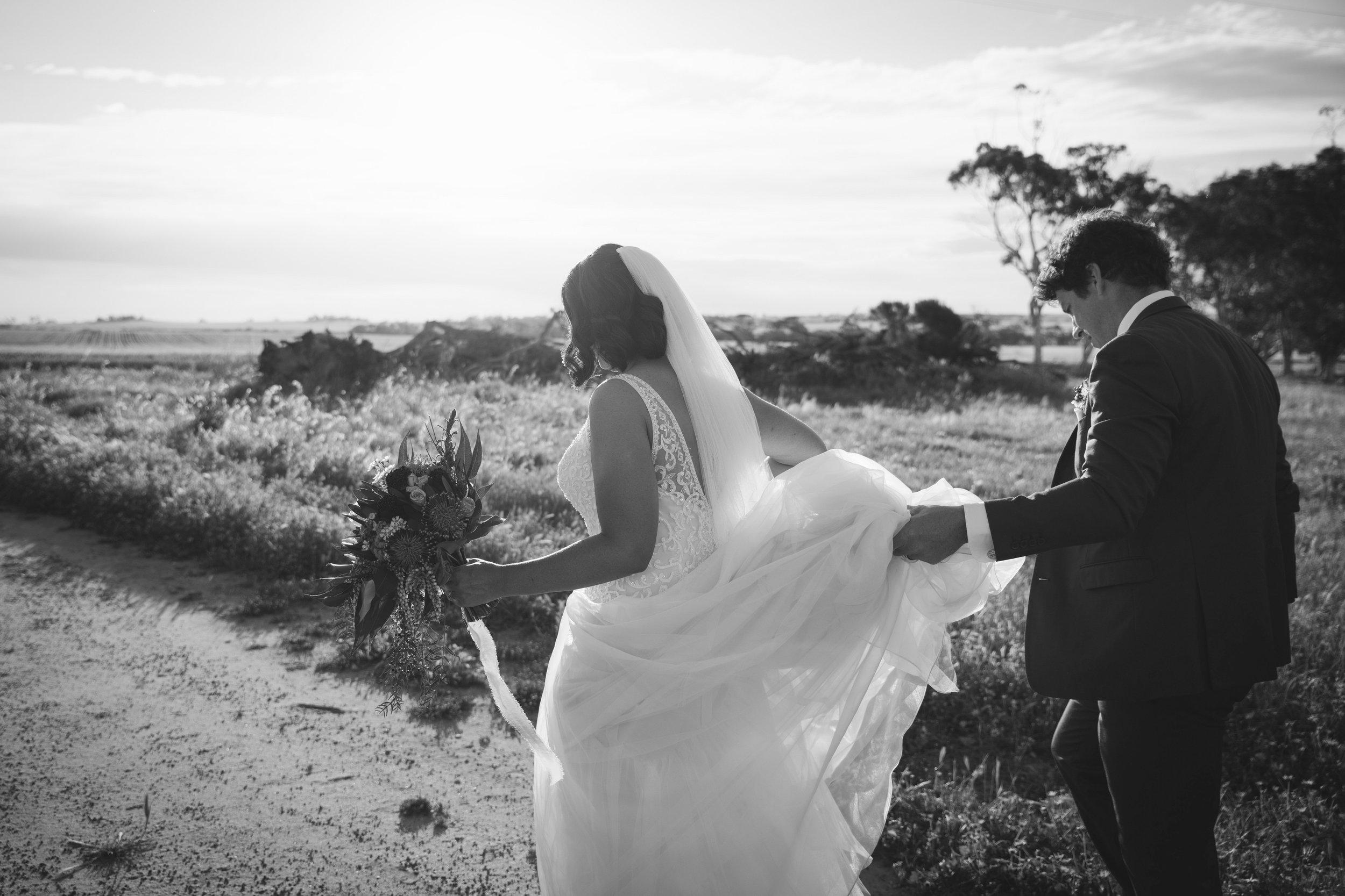 Angie Roe Photography Wheatbelt Avon Valley Farm Wedding (48).jpg