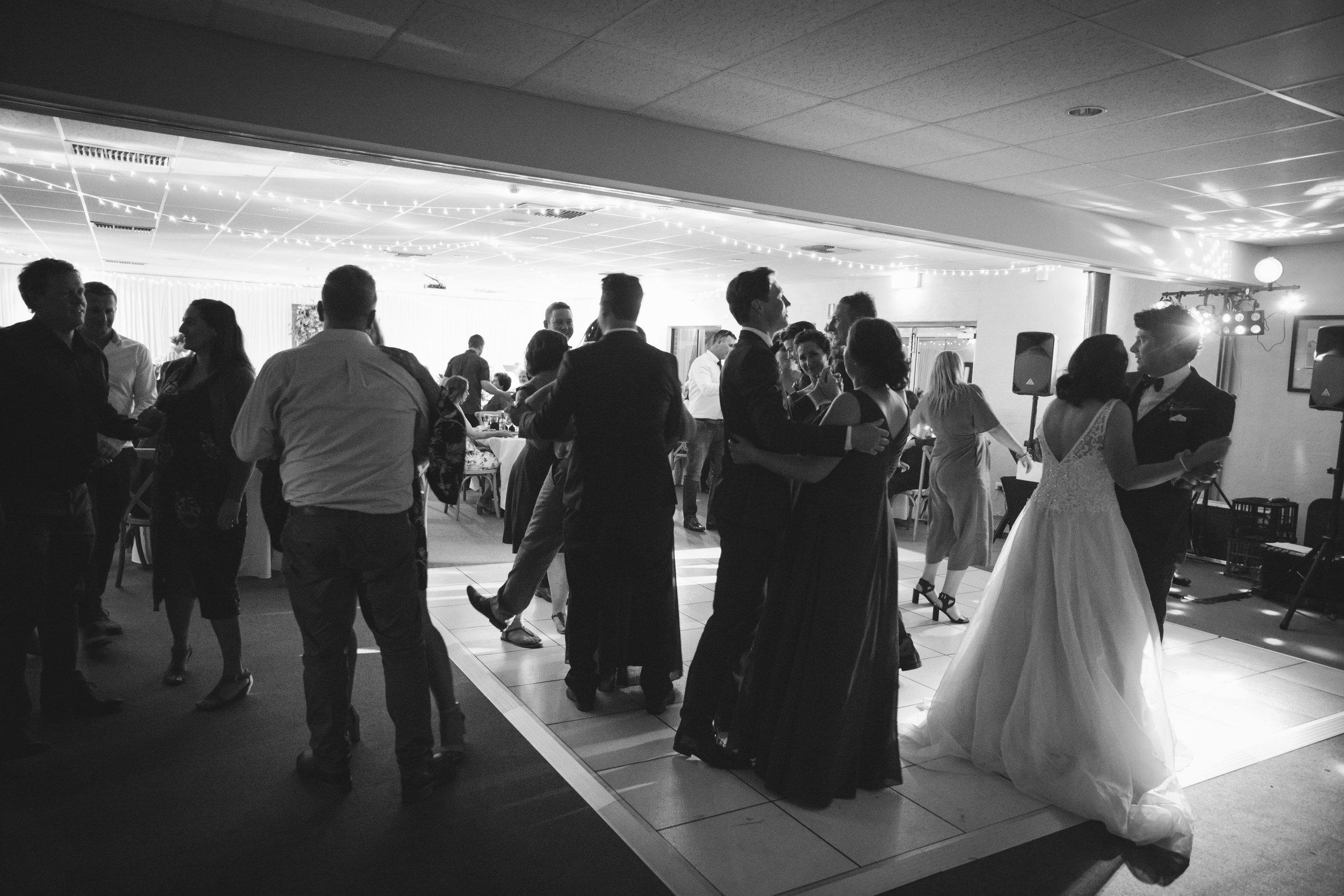 Angie Roe Photography Wheatbelt Avon Valley Farm Wedding (75).jpg