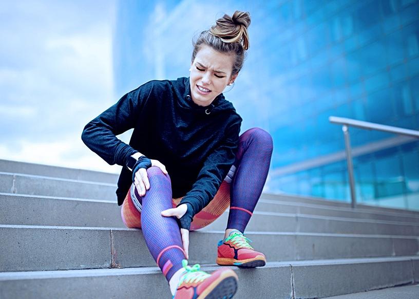 Running-injury-knee-pain-relief-s.jpg