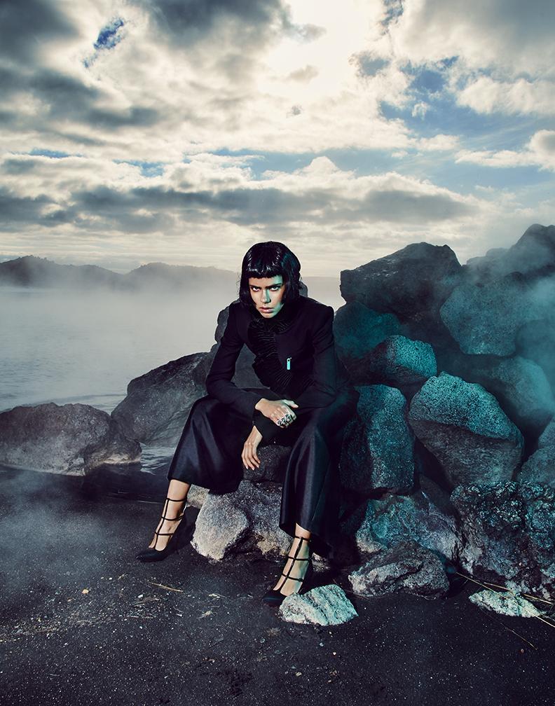 Jacket: DSquared2 / Pants: YUXIN / Shoes: Christian Louboutin / Ring: Erickson Beamon