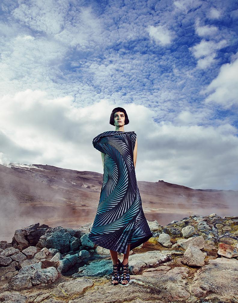 Dress: Issey Miyake / Shoes: Gianvito Rossi / Rings: John Brevard